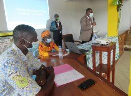 Journée d'Echanges Citoyens : ( le Maire de la commune de Douala 3eme face aux jeunes )