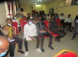 Journée d'Echanges Citoyens : ( Adjoint au  Maire de la commune de Douala 2eme face aux jeunes )